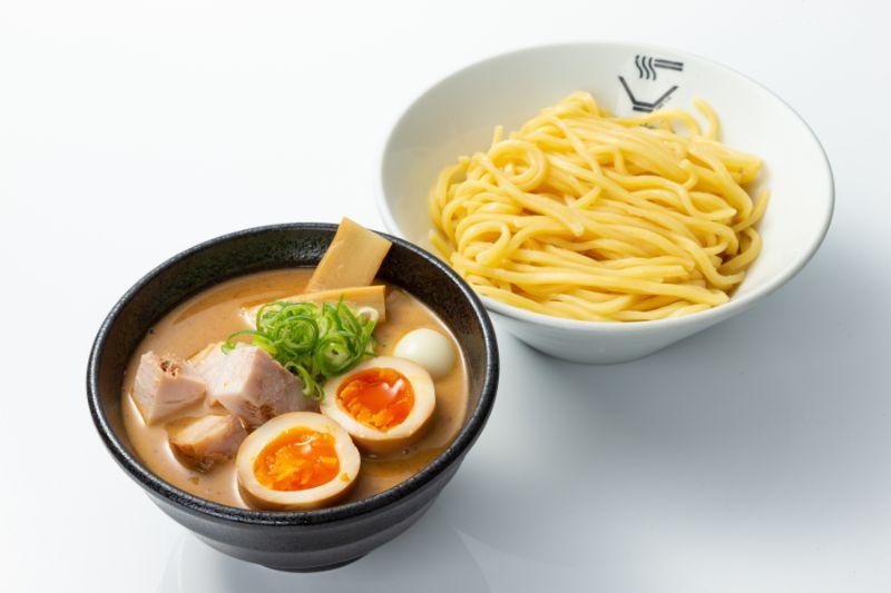 濃厚豚骨魚介系つけ麺 (半熟玉子入り)